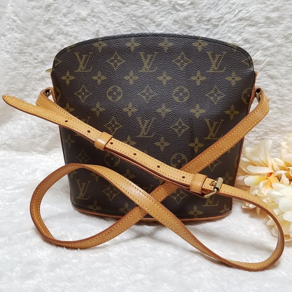1e3a47077013 Louis Vuitton Handbags - Louis Vuitton Drouot Crossbody Bag Monogram